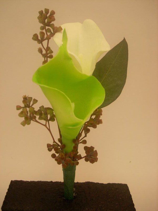 Silk calla lily with fresh seeded eucalyptus