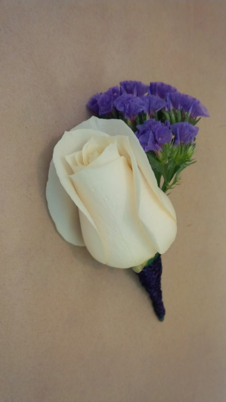 fresh bout: white rose with purple statice