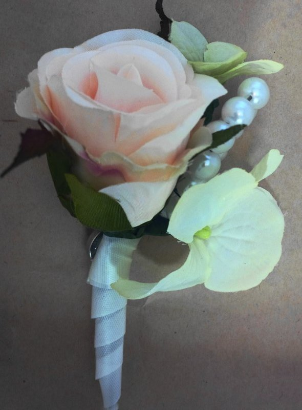 Silk spray rose, hydrangea, pearls